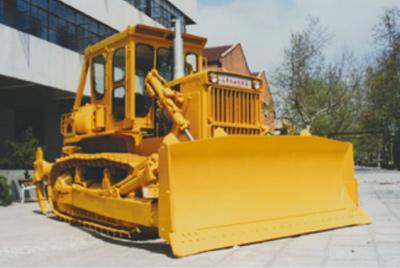 山推推土机累计销量突破2000台;被国家经贸部批准为进出口自营权企业。
