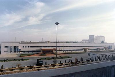 1995年5月30日,山推与日本小松株式会社合资成立小松山推工程机械有限公司
